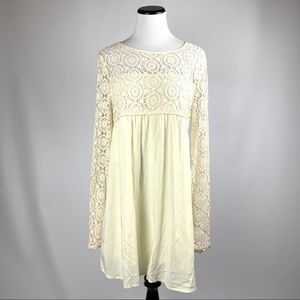 NWT blush boutiques crocheted lace dress